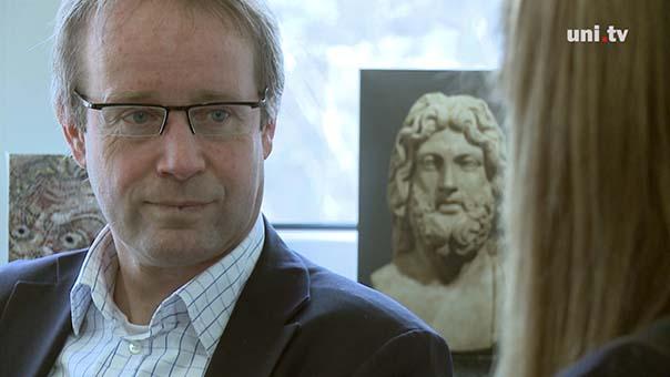 prof. ralf van der hoff.jpg