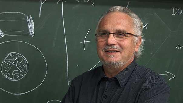 alma99_prof. gunther neuhaus.jpg