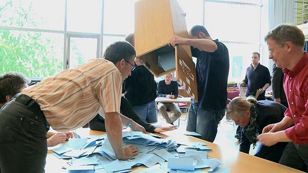 öffentliche auszählung der abstimmung im rektorat.jpg